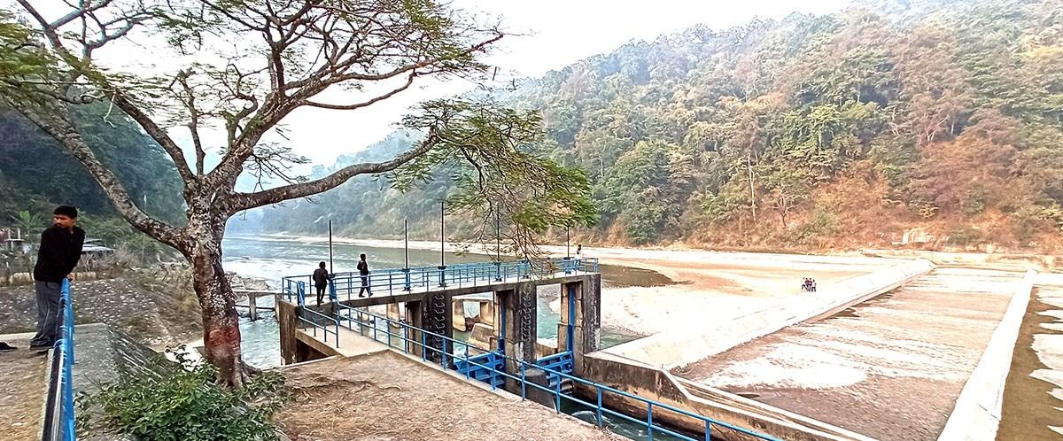 आफ्नै 'बलबुता'ले पर्यटक लोभ्याउँदै दोमुखा